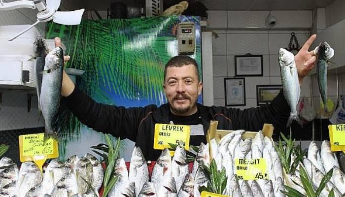 'Denizlerin prensi' lüfer 150 liradan, 100 liraya düştü (VİDEO)
