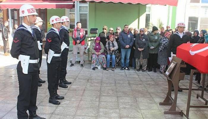 Tabancasıyla intihar eden uzman çavuş, Çanakkale'de toprağa verildi