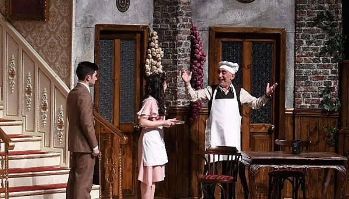 Çanakkale'de 'Zengin Mutfağı' isimli oyun sahnelendi