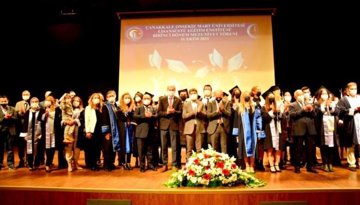 ÇOMÜ'de Lisansüstü Eğitim'de mezuniyet heyecanı