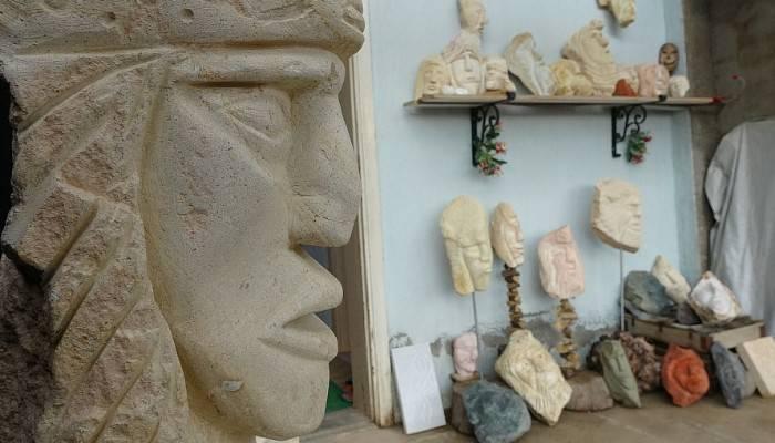 2 ay öncesine kadar heykeltıraşlık nedir bilmezdi, şimdi eserlerine teklif yağıyor (VİDEO)