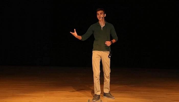 Mehmet Akif Ersoy'un şiirleriyle yarıştılar