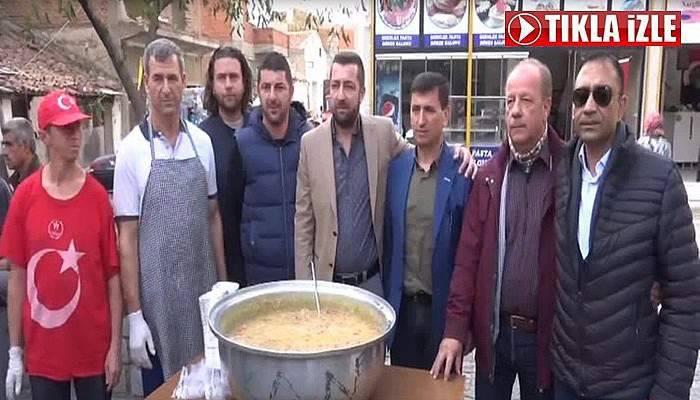 AK Partili Haner Göçmen Aşure Dağıttı