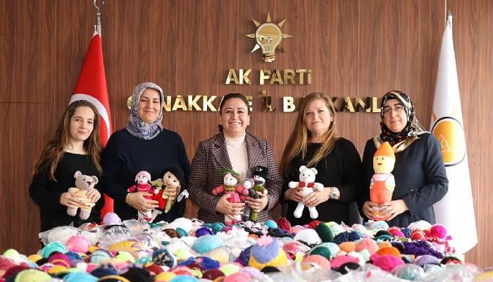 AK Kadınlar Elazığlı Çocuklar İçin Oyuncak Yaptı