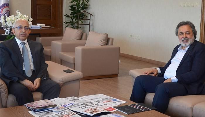 Akıncı'dan Rektör Murat'a hayırlı olsun ziyareti