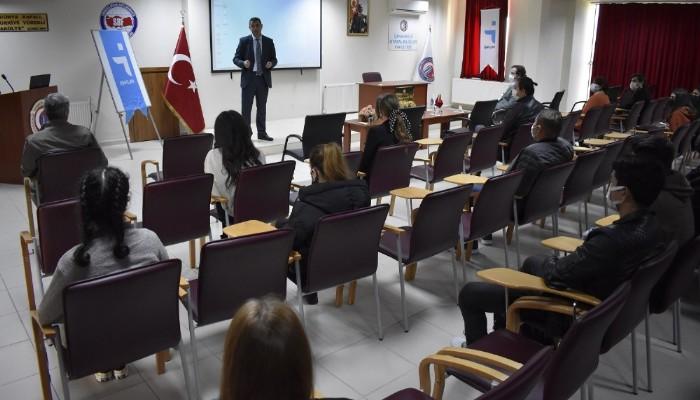 Siyasal Bilgiler Fakültesi Öğrencilerine İŞKUR'un Faaliyetleri Tanıtıldı