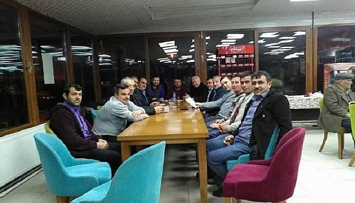 Lapseki Genç Muhafazakarlar Derneği yönetim kurulu toplantısını yaptı