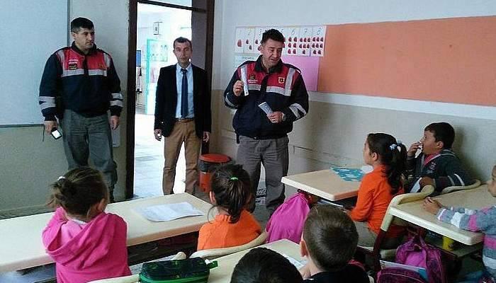 Jandarma Trafik Timlerinden İlkokul öğrencilerine eğitim