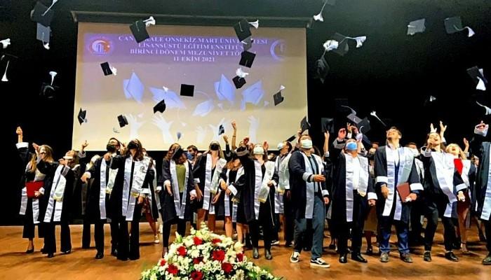 Lisanüstü Eğitim Enstitüsünde Mezuniyet Coşkusu
