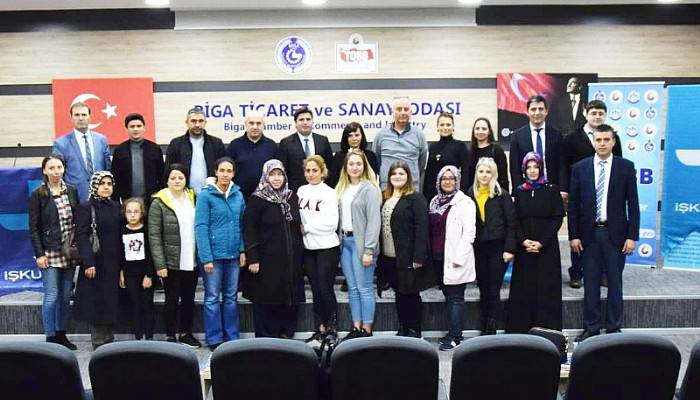 "BİGA'DA ""GİRİŞİMCİLİK KURSU"" TAMAMLANDI"