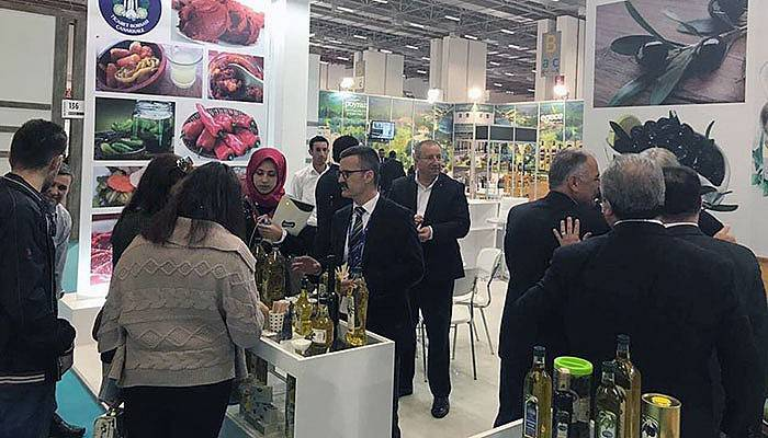 Çanakkale ürünleri İzmir'de göz doldurdu