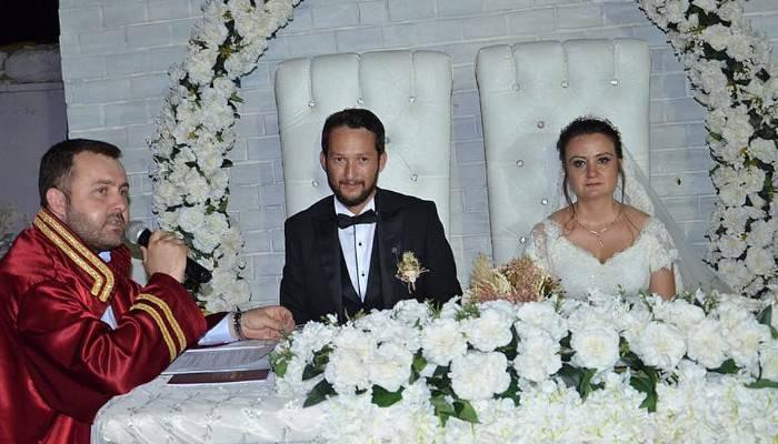 Nikahlarını Başkan Yüksel kıydı