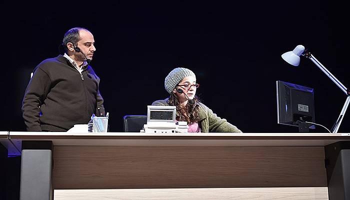 444 İsimli Tiyatro Oyunu Çanakkale'de Sahnelendi