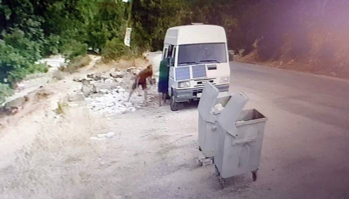 Sözde çevrecilerin hırsızlık anları kameraya yansıdı (VİDEO)