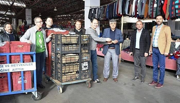 Biga'da pazar esnafına aşure ikramı