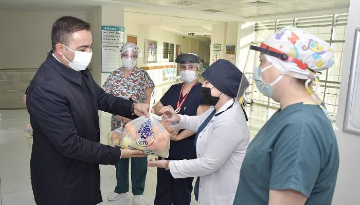 Başkan Erdoğan'dan sağlık çalışanlarına C vitamini takviyesi (VİDEO)
