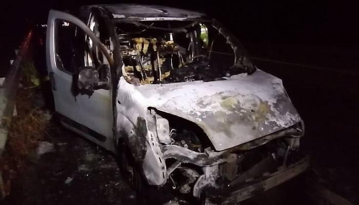 Çan'da seyir halindeki araç yandı