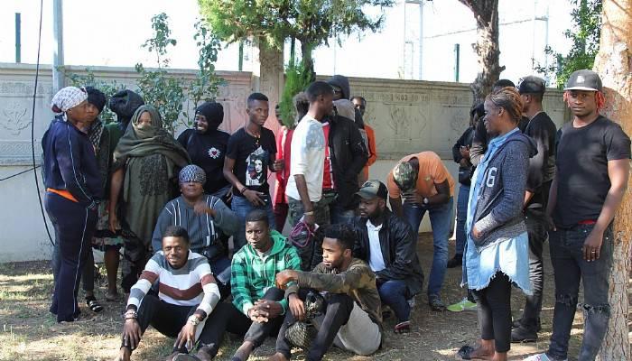 Ayvalık'ta 30 kaçak göçmen yakalandı