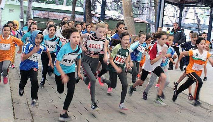 Çanakkaleli sporcular Cumhuriyet İçin Koştu
