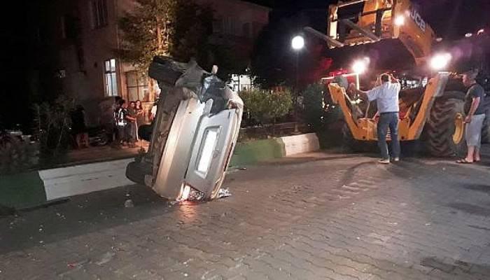 Bayramiç'te iki otomobil çarpıştı: 1 yaralı (VİDEO)