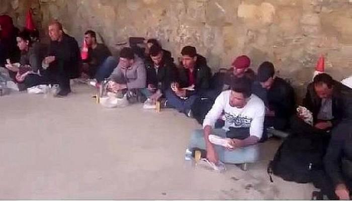 Çanakkale'de 42 Suriyeli kaçak yakalandı (VİDEO)