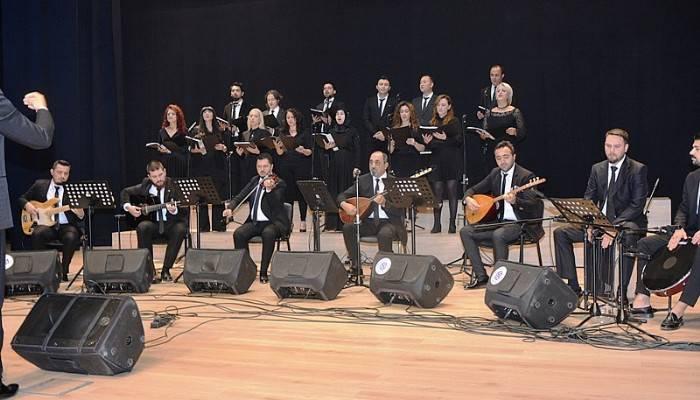 Biga'da Öğretmenler Korosu konser verdi