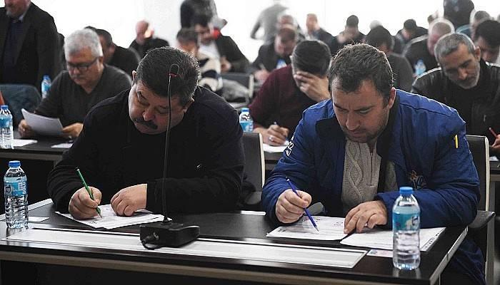 Şoför adaylarına yazılı ve uygulamalı sınav
