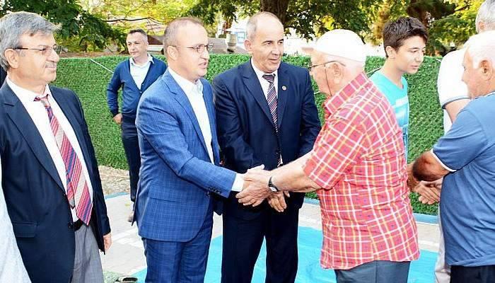 Turan, Bayram Namazını Kumkale Köyünde Kıldı