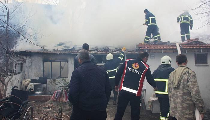 Gelibolu'da ev yangını korkuttu (VİDEO)