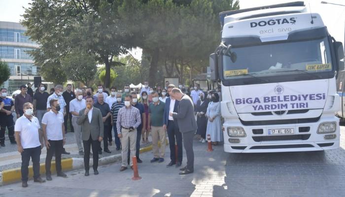 Biga Belediyesi yangın bölgesine yardım tırı gönderdi