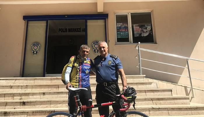30 Ağustos Zafer Bayramı için bisikletiyle yollara düştü