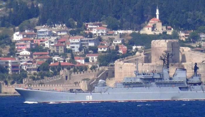 Rus savaş gemisi Ege denizine doğru yol aldı