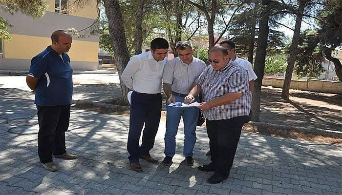 Memiş, yeni okul binası için incelemelerde bulundu