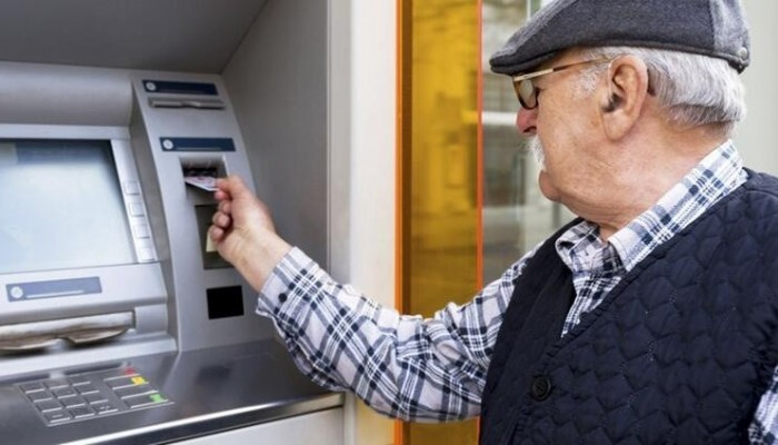 Emekliler temmuz maaşlarını ikramiyeleriyle beraber erken alabilir