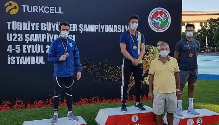 Şampiyonada Çanakkale Rüzgarı: 2 Şampiyon 6 Madalya