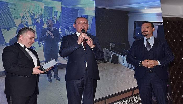 Biga Belediyesi'ne 'Yılın En Başarılı İlçe Belediyesi' ödülü