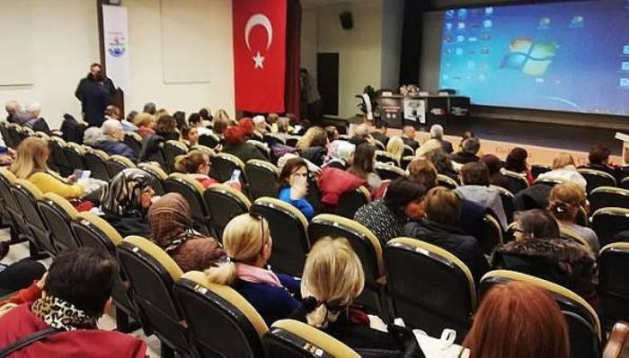 GELİBOLU'DA 'KADINA ŞİDDETE DUR DE' PANELİ