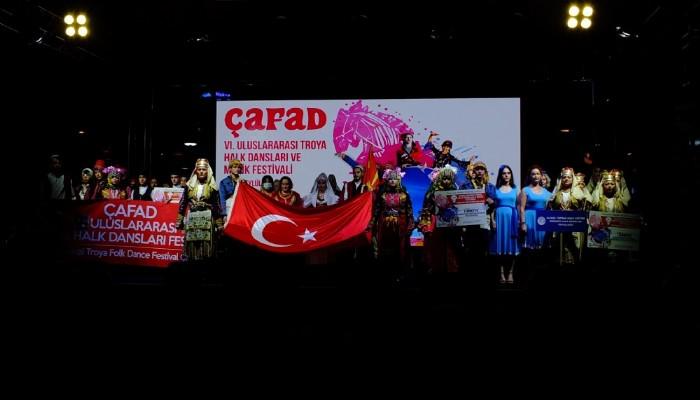 6. Uluslararası Troya Halk Dansları ve Müzik Festivali izleyenleri hayran bıraktı
