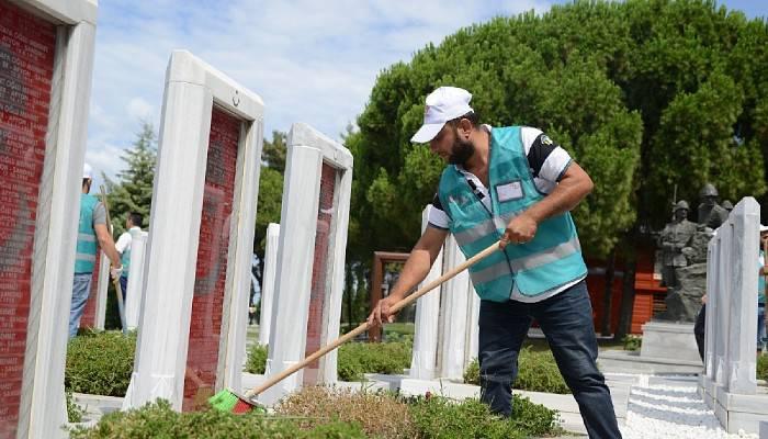 Şehitler Abidesi ve 57. Alay Şehitliğinde 15 Temmuz temizliği