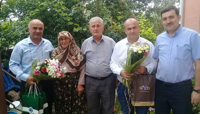 Belediye Başkanı Semerci, şehit ailesini ziyaret etti