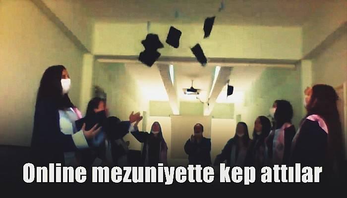 Online mezuniyette kep attılar