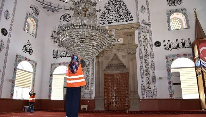 Çan Belediyesi'nden camilerde bayram temizliği