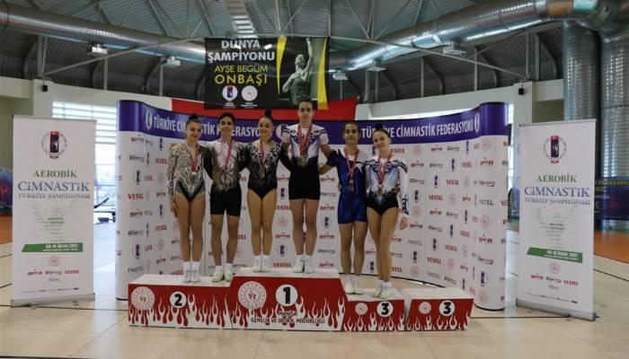 Aerobik Cimnastik Türkiye Şampiyonasında Çanakkaleli Sporcular Dereceler Aldı