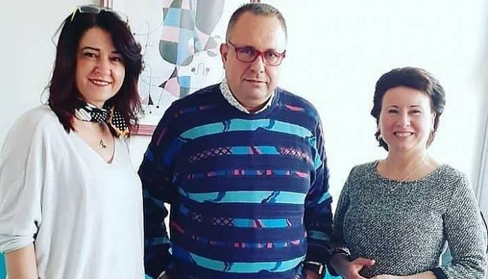 """ÖZEL BİGA CAN HASTANESİ """"ÇALIŞAN GAZETECİLER GÜNÜNÜ"""" UNUTMADI"""