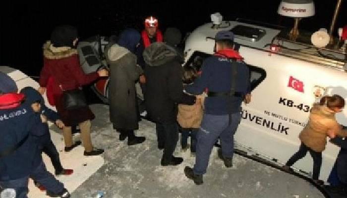 Kaçak Göçmenler, Teknelerinin Motoru Bozulup, Yardım İsteyince Yakalandı