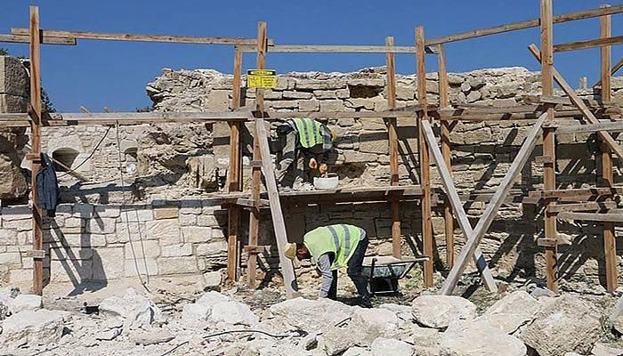 Bigalı Kalesi'nin restorasyonu hızla devam ediyor