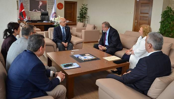 University of Agribusiness ve Rural Rektörü Prof. Dr. Dimitrov'dan Rektör Prof. Dr. Murat'a Ziyaret