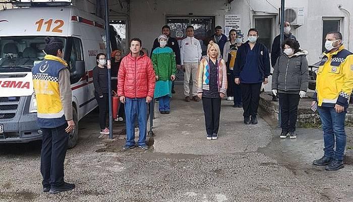 Gökçeada Devlet Hastanesi'nde Taşçıoğlu için saygı duruşu