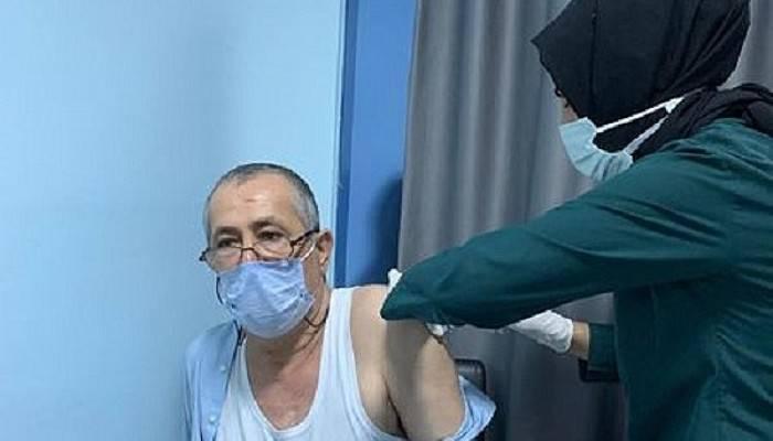 Mutan aşı oldu