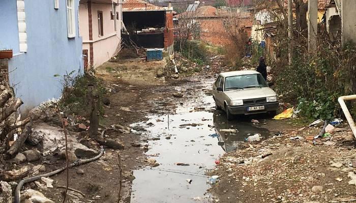 Yeniceköy sakinleri dere ıslahının yapılmasını bekliyor